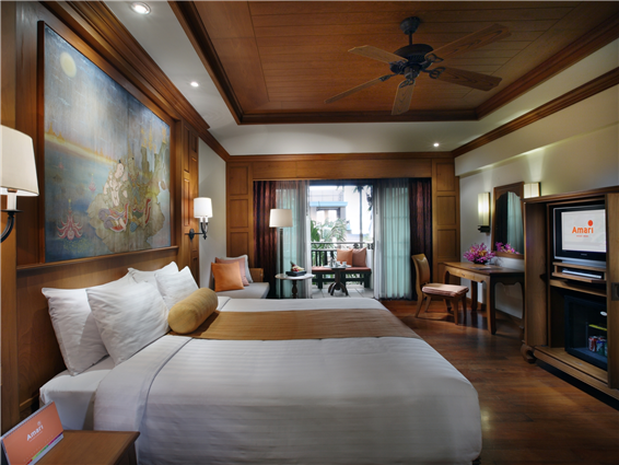 Room and Breakfast rate: Up to 15% off